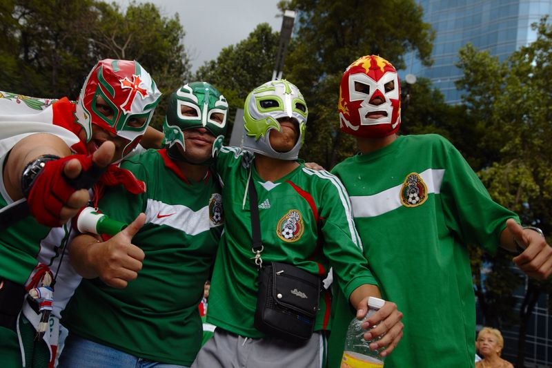 Luchadores_celebrantes